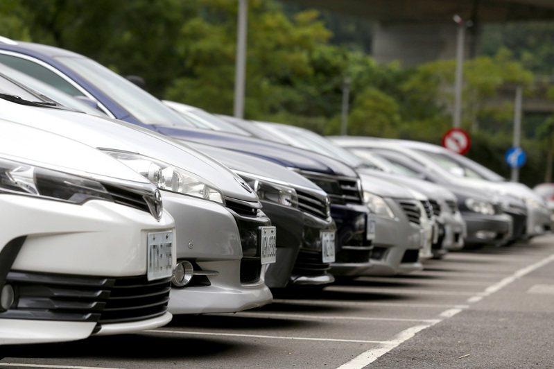 國產車市占率持續下滑,去年下半年起甚至已低於進口車。 聯合報系資料照/記者高彬原攝影