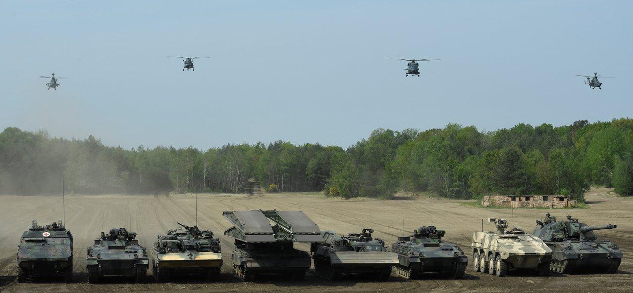 北約「高度戰備聯合特遣隊」(VJTF)今年5月在德國明斯特操演,該部隊由北約成國...