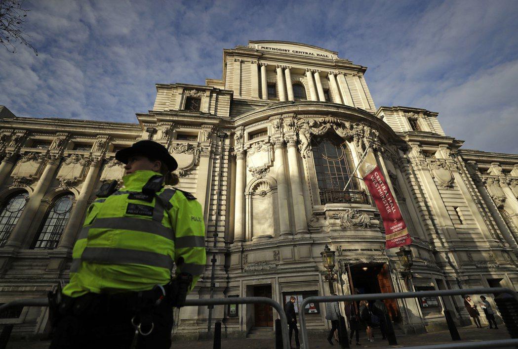 北約峰會舉行地點倫敦西敏寺中央大廳。 (美聯社)
