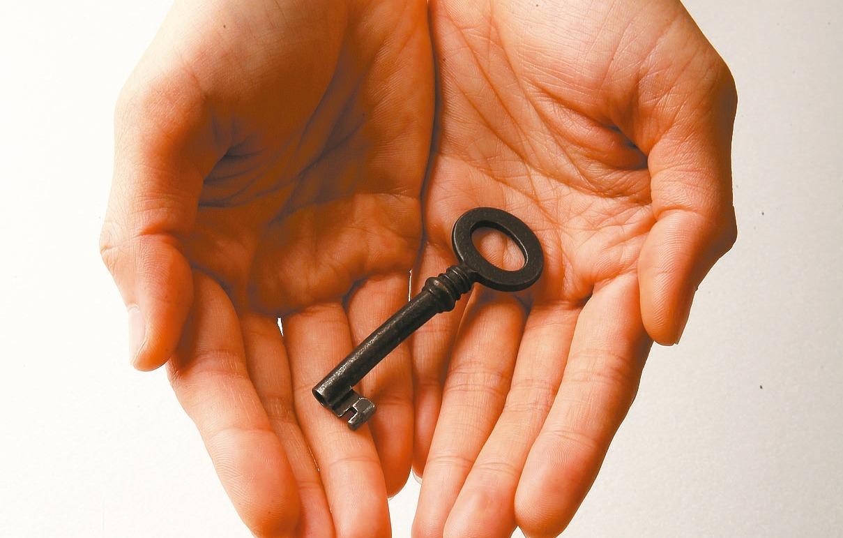 遺產稅跨區申辦服務從本月起正式開通,未來只要在遺產總額、財產類型、扣除額適用等三...