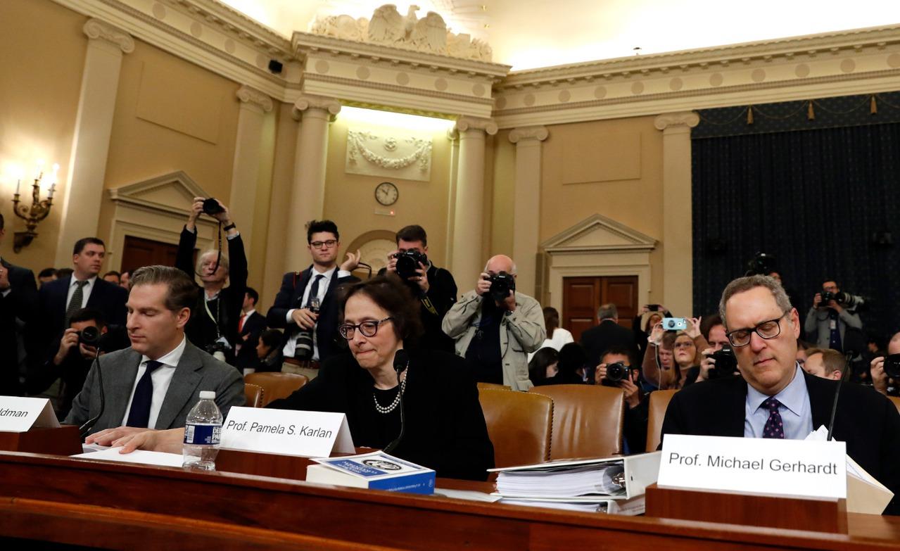 聯邦眾議院司法委員會接棒舉行總統川普的彈劾調查聽證會,法學專家哈佛大學法學院...