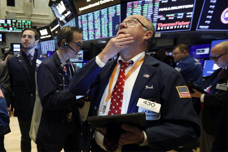 傳中美兩國正在接近達成貿易協議後,美股中止連續三個交易日跌勢。 (美聯社)