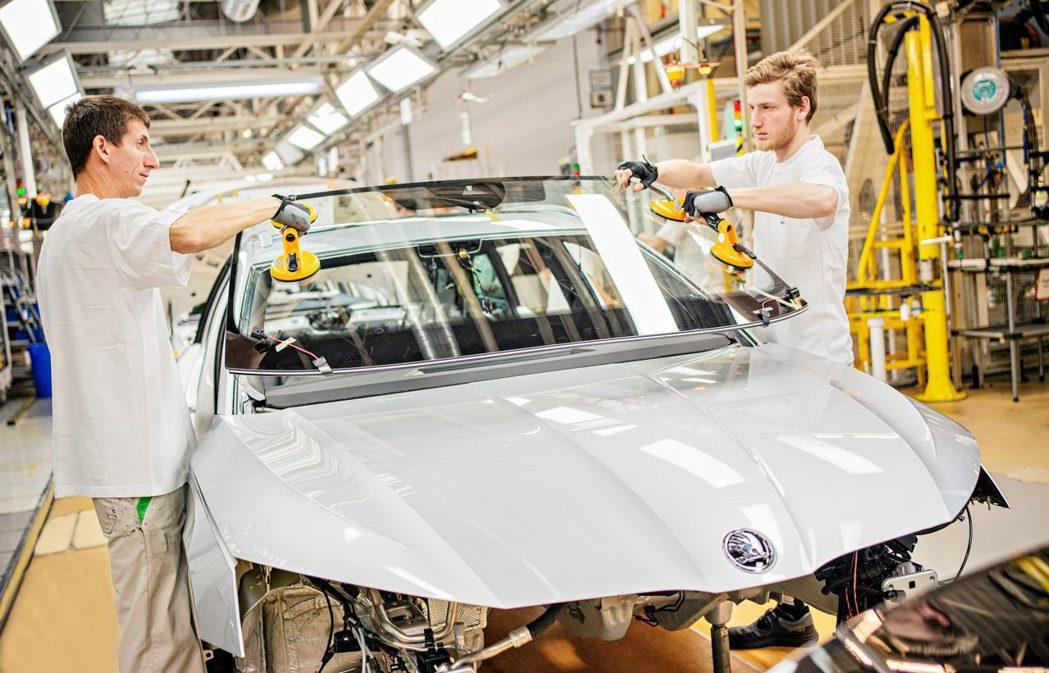 第四代ŠKODA Octavia除了有一般的汽、柴油車型,還推出了全新Octav...