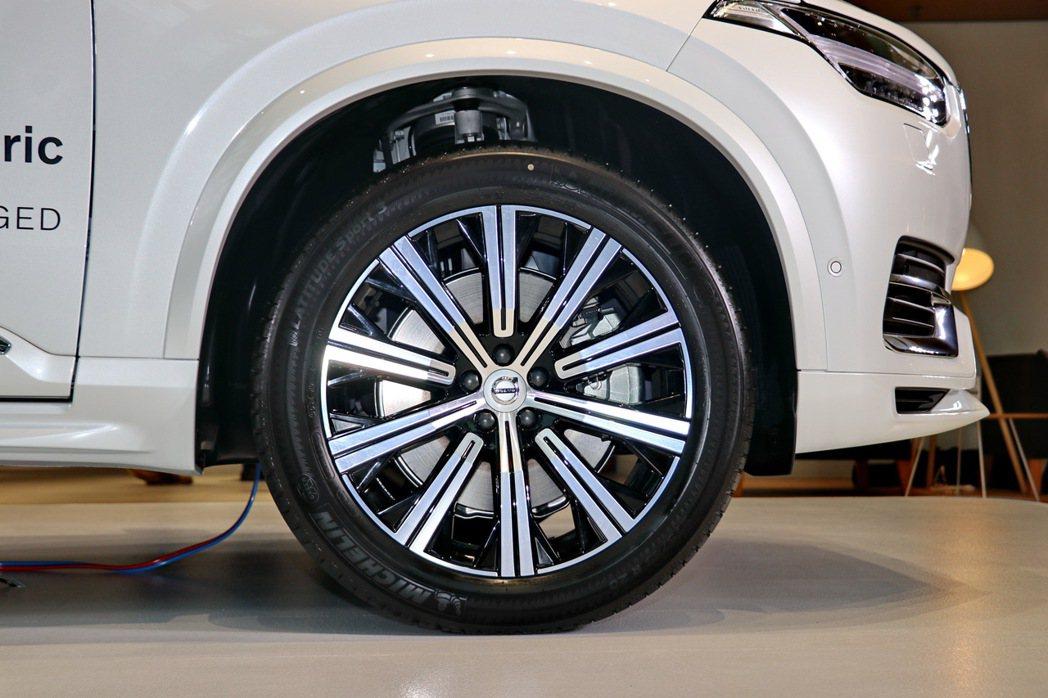 VOLVO XC90小改款輪圈維持20吋設定。 記者陳威任/攝影