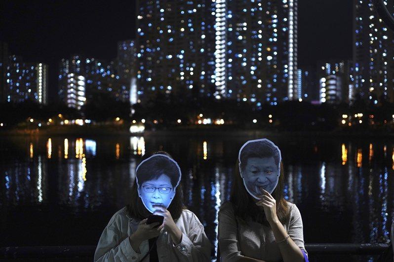 這次區議會選舉所選出的452席區議會議員,依舊難以影響中共對香港的控制。 圖/美...