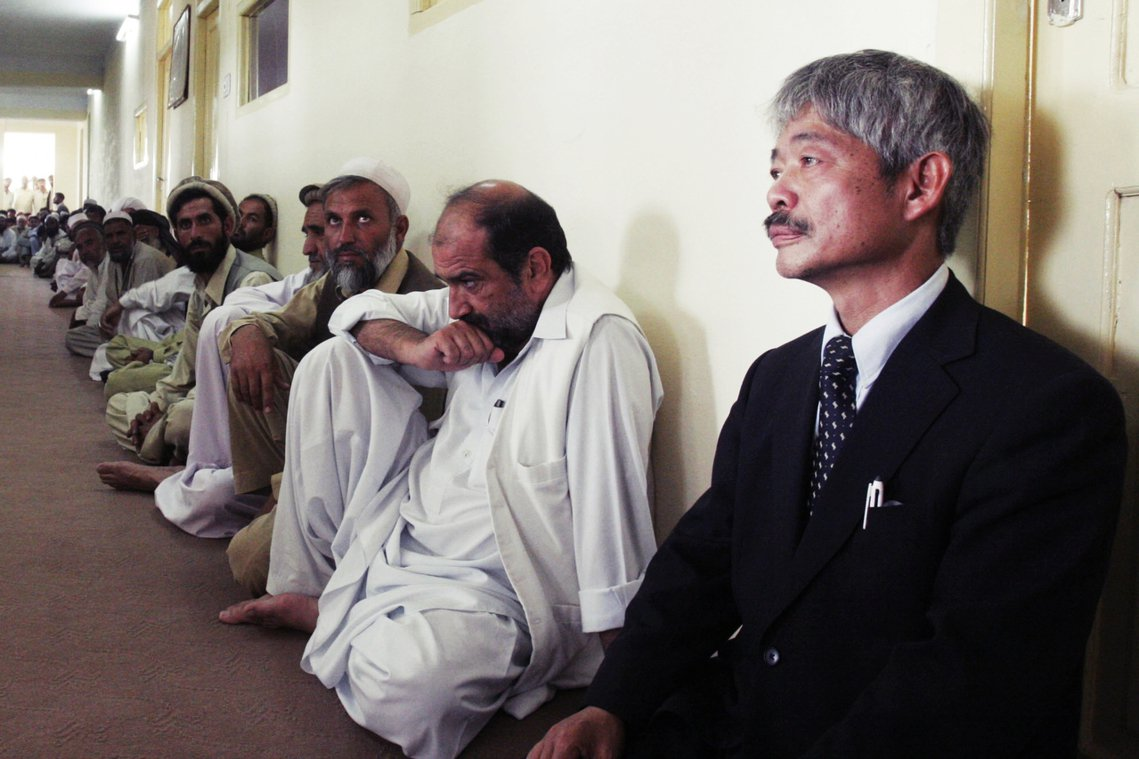 據點移往巴基斯坦與阿富汗的同時,中村成立了國際NGO組織「白沙瓦會」(ペシャワー...