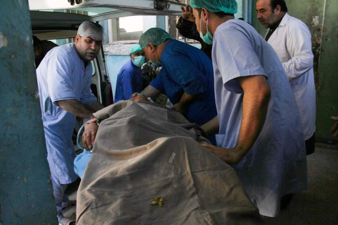 中村的右胸中彈後還有意識,被緊急送往當地醫院急救,但為了治療又必須再轉送阿富汗首...