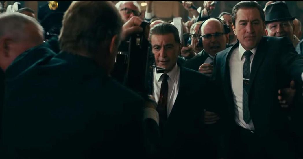 「愛爾蘭人」已拿下美國兩大影評人協會最佳影片大獎,奧斯卡聲勢不斷升高中。圖/摘自