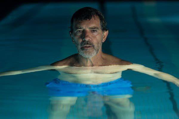 安東尼奧班德拉斯以「痛苦與榮耀」獲紐約影評人協會最佳男主角獎。圖/摘自imdb