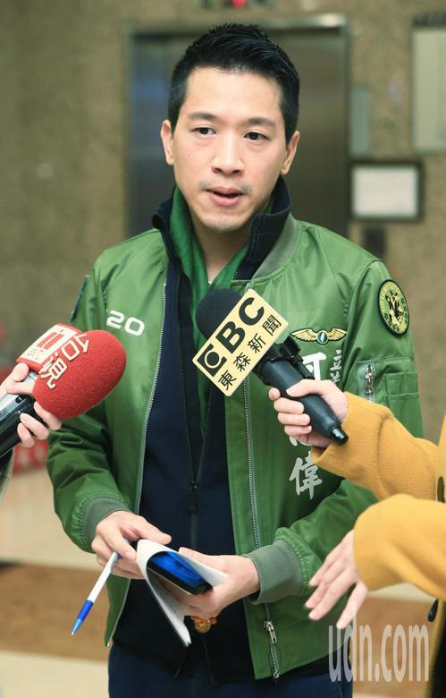 回應楊蕙如事件表示,民進黨立委何志偉,要求回到事件的本質,質疑藍委在模糊焦點,對外交官之死卻不心痛。記者陳正興/攝影
