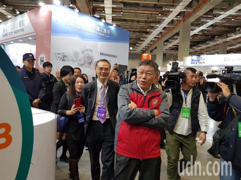 台北市長柯文哲今天到南港展覽館出席台灣醫療科技展。記者翁浩然/攝影