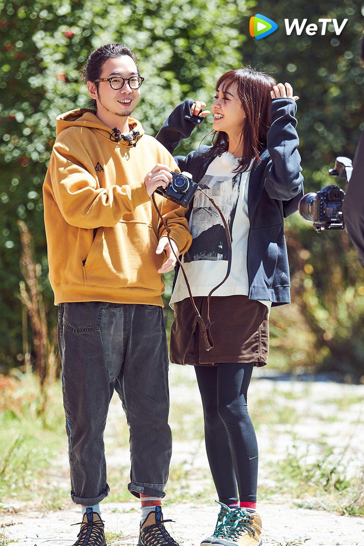 許富翔(左)和陳意涵互動甜蜜。圖/WeTV提供