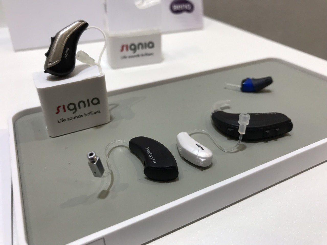 虹韻助聽器展出助聽器相關產品。記者蔡銘仁/攝影