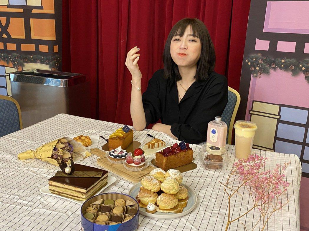 中友夢幻甜點美食展特搜多家話題甜點,訴求不論是要給手機先吃的顏值系甜點,或是天堂...