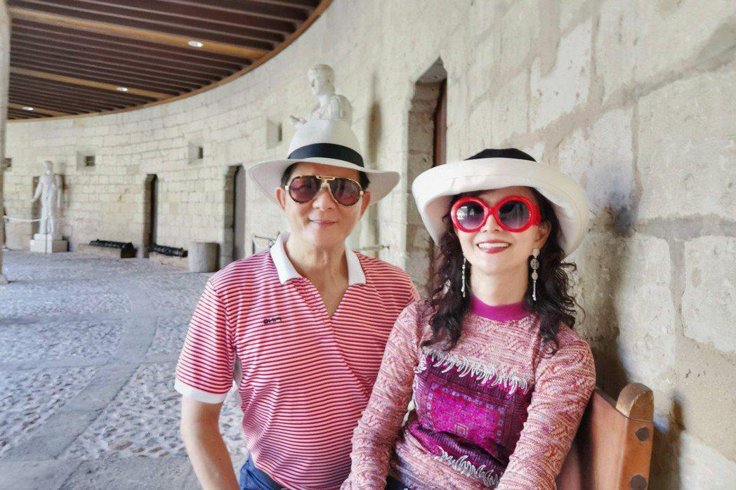 鄧美芳(右)今年九月和哥哥一起暢遊義大利,全程由哥哥埋單。圖/鄧美芳提供