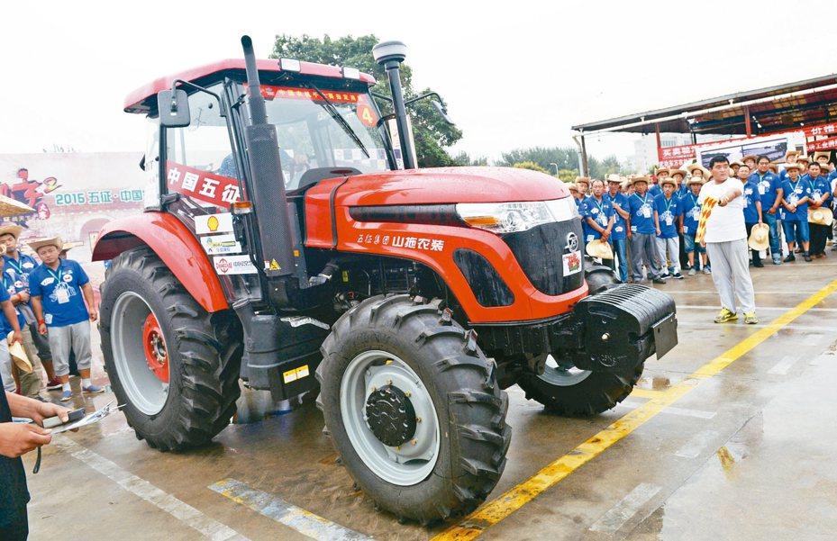 陜西省楊凌農業高新示範區曾在2015年8月舉辦「中國農機手大賽西部聯賽」。 新華社資料照