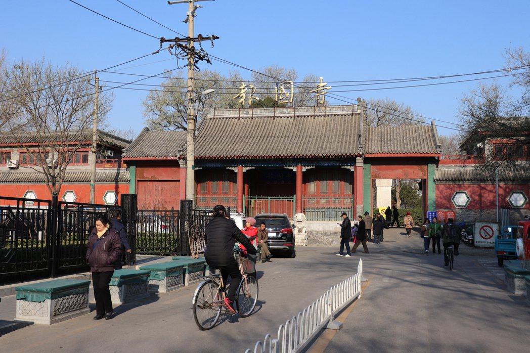位於北京南城的報國寺收藏市場曾是京城古玩交流最大平台。記者呂佳蓉/攝影