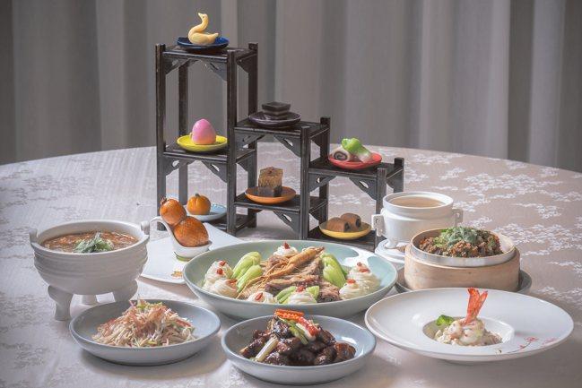 故宮晶華復刻古菜,總監楊惠曼會到圖書館查閱古籍。 圖/中華飲食文化基金會提供