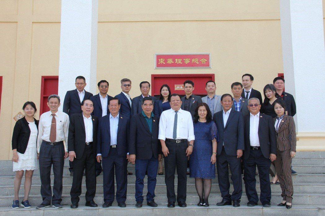三左興業上個月受邀至柬埔寨與馬來西亞等東南亞國家,與當地企業進行合作會議。 三左...