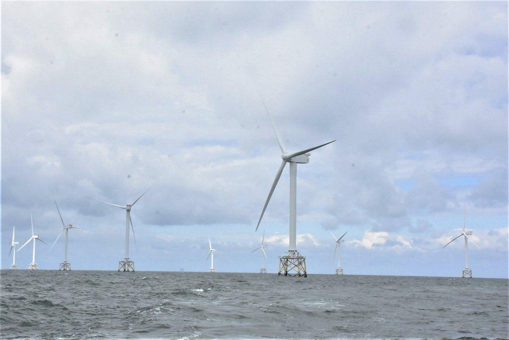 經濟部預告2020年再生能源躉購費率。預告20年固定躉購費率每度5.0946元,...