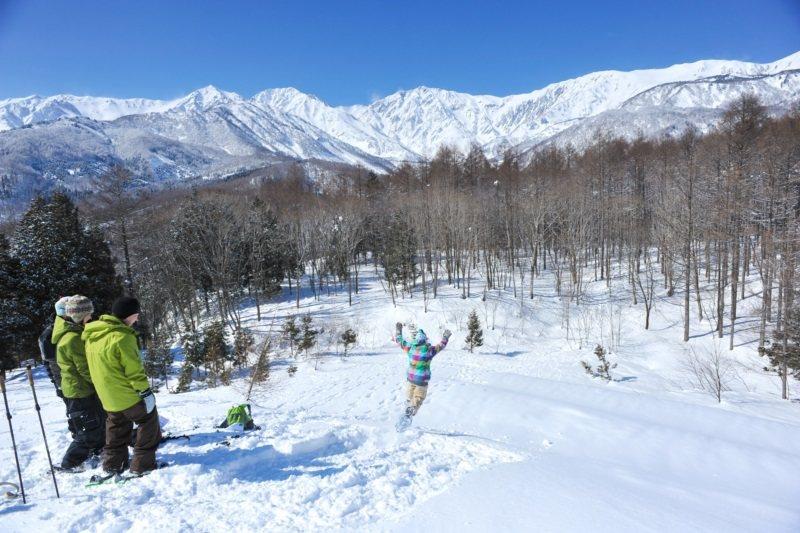設於孤峰上的「白馬岩岳滑雪場」,景色壯觀秀麗。 圖/東南旅遊提供