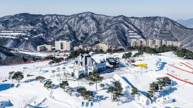 韓國的洪川大明滑雪度假村,曾被評選為韓國最佳滑雪場。 圖/可樂旅遊提供