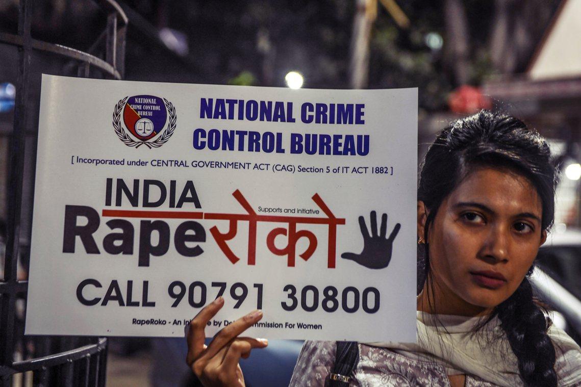 「但沒有任何跡象顯示,印度婦女遭受的性暴力有減少趨勢。」 圖/法新社