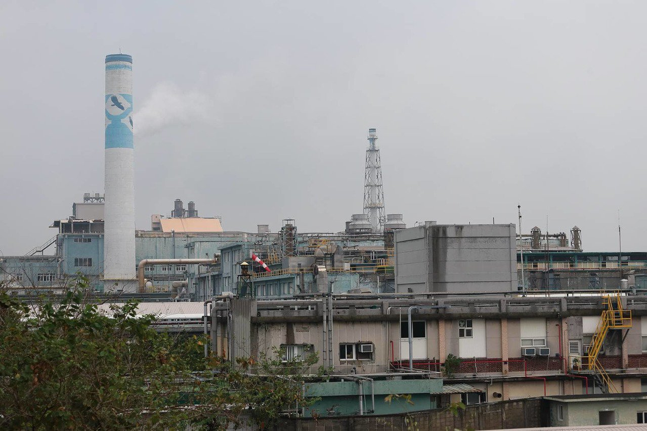 成立逾半世紀的台化彰化廠,可說是王永慶的循環經濟代表作。 圖片來源:王建棟攝