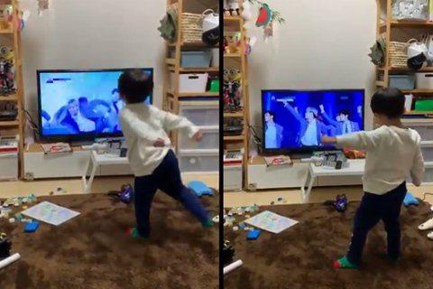 許多爸媽總會讓孩子看電視、影片,讓孩子乖乖不哭鬧,youtube、電視等也就此成為這個世代學齡前兒童的玩伴。前陣子有位日本媽媽,無意間發現家中3 歲孩子竟然已經會跳舞,而且這舞步還跳得有模有樣,這位...