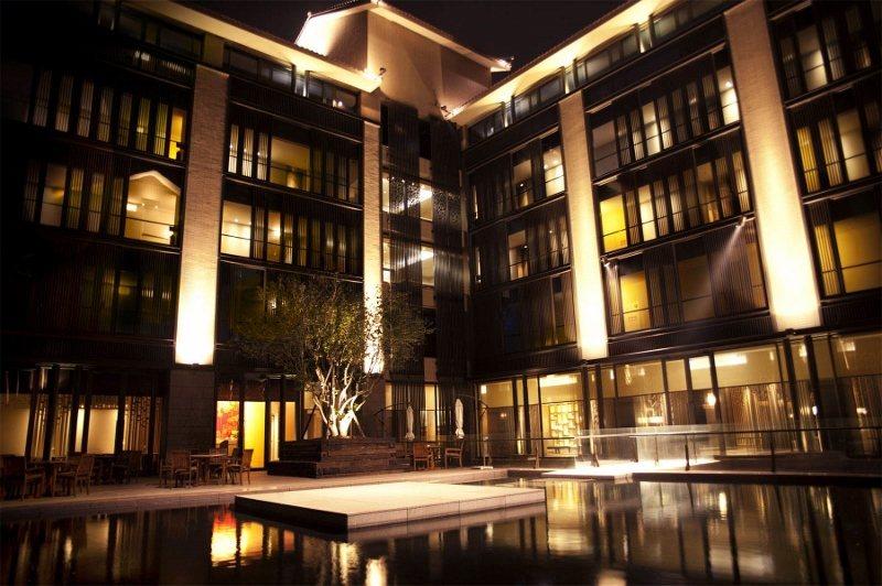 夜色下的北投麗禧溫泉酒店。 業者/提供