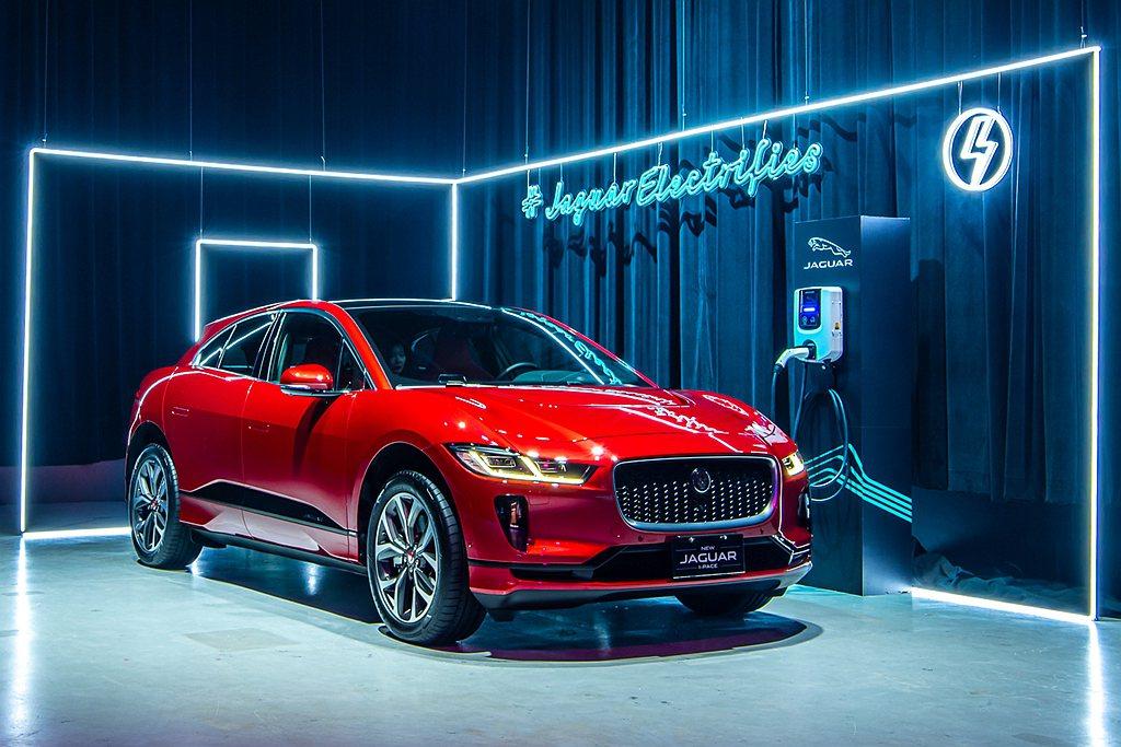 全世界獲獎無數的Jaguar I-Pace純電跑車型SUV當然也是看點之一。 圖...