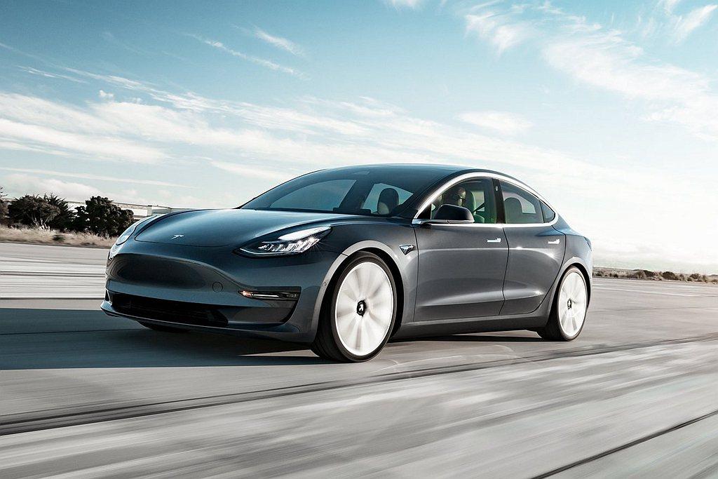 豪華平價電動車Tesla Model 3雖然台灣已經交付不少輛,但相信也會車展看...