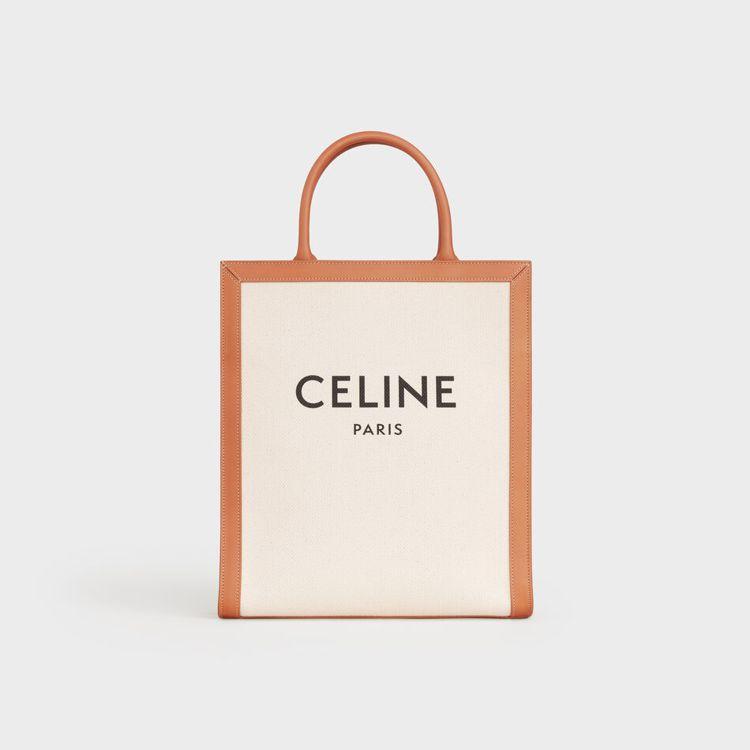 Cabas CELINE帆布及小牛皮小型直式拖特包,售價43,000元。圖/CE...