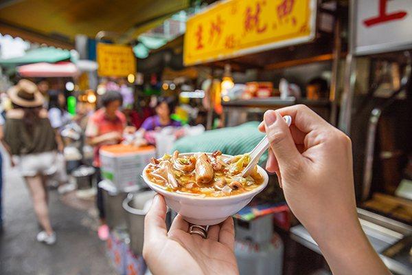 板橋周邊美食高記生炒魷魚。(圖/趣淘漫旅提供)