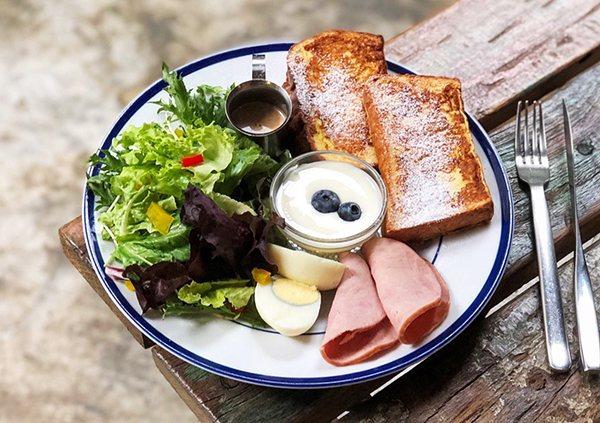 板橋知名美食早午餐店merci café。(圖/趣淘漫旅提供)