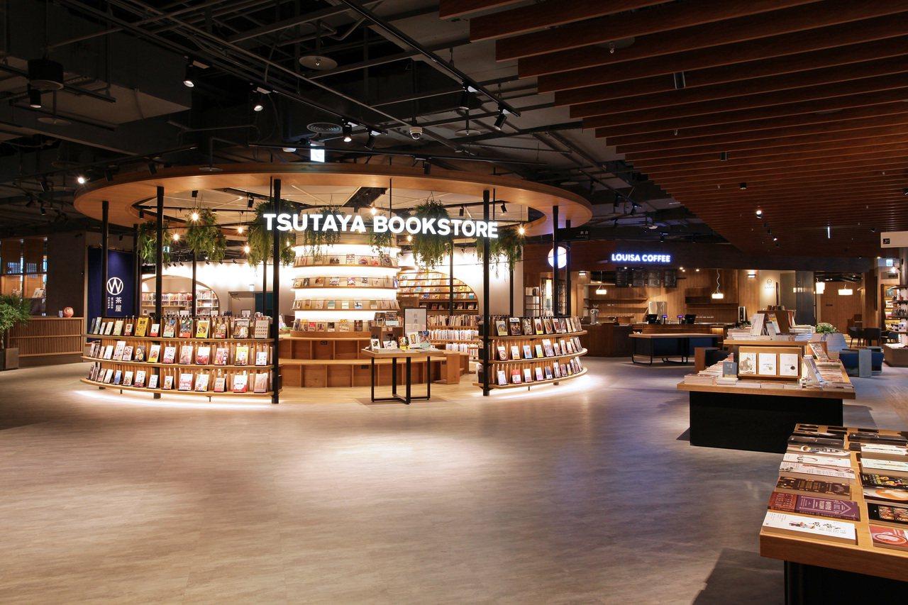 全台最大店、500坪的TSUTAYA BOOKSTORE南港店開幕。圖/CITY...