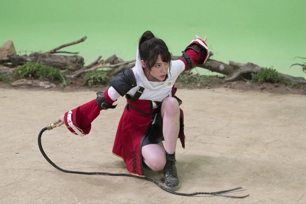 歐陽妮妮也化身電玩人物。圖/麗象影業提供