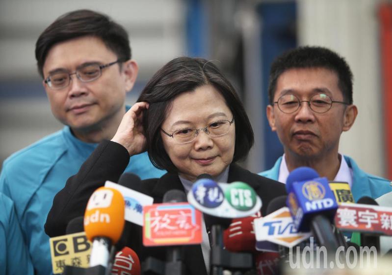 蔡英文總統受訪時表示,對於最近引起熱議的「卡神」楊蕙如事件,她強調她和楊蕙如確實沒有私人交情與交往的事實。記者劉學聖/攝影