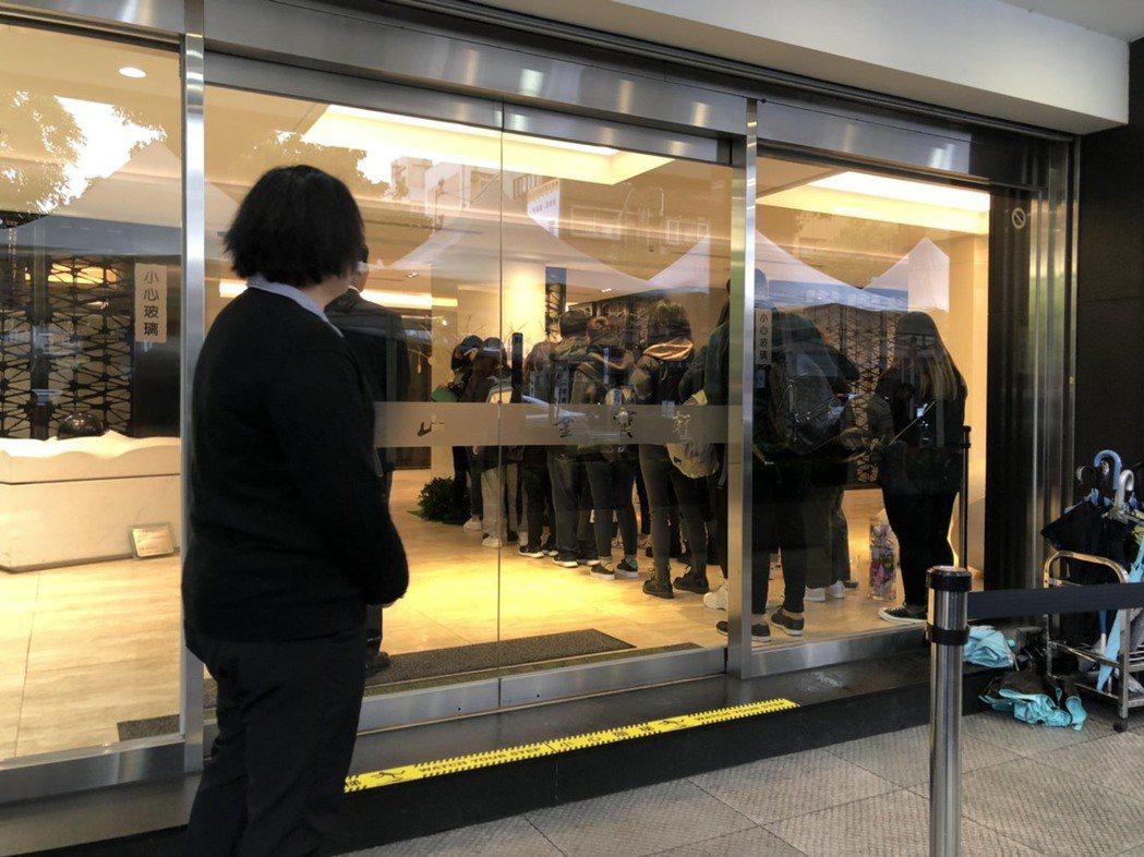 高以翔的靈堂6日開放粉絲悼念。記者陳建嘉/攝影