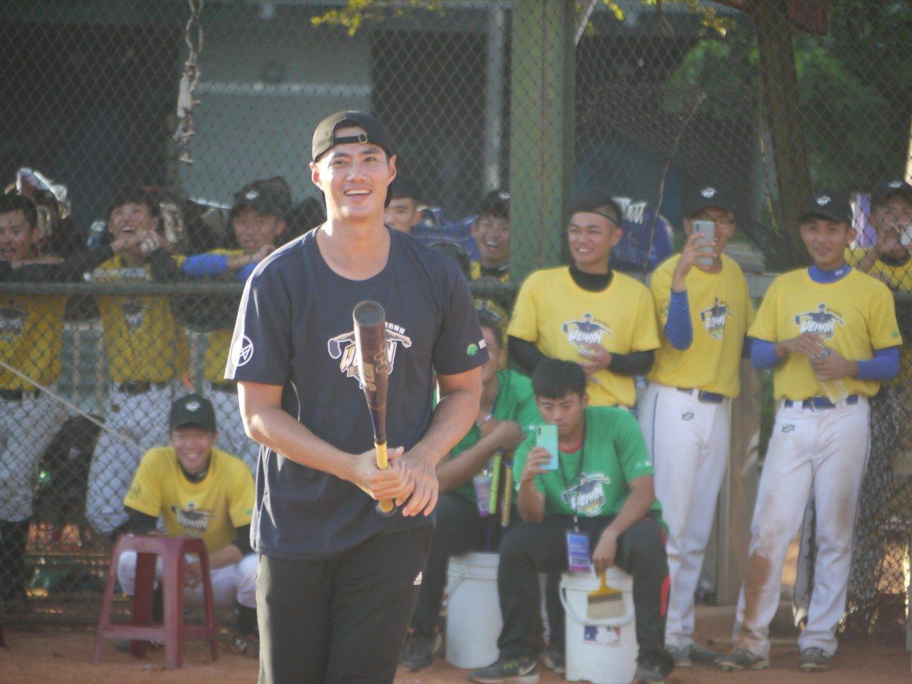 陳偉殷棒球訓練營8日到基隆,指導三級棒球隊伍機會難得。圖/報系資料照