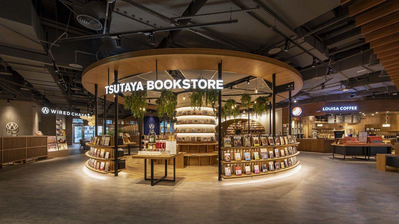 位於CITYLINK南港店商場的全台最大TSUTAYA BOOKSTORE今(6...