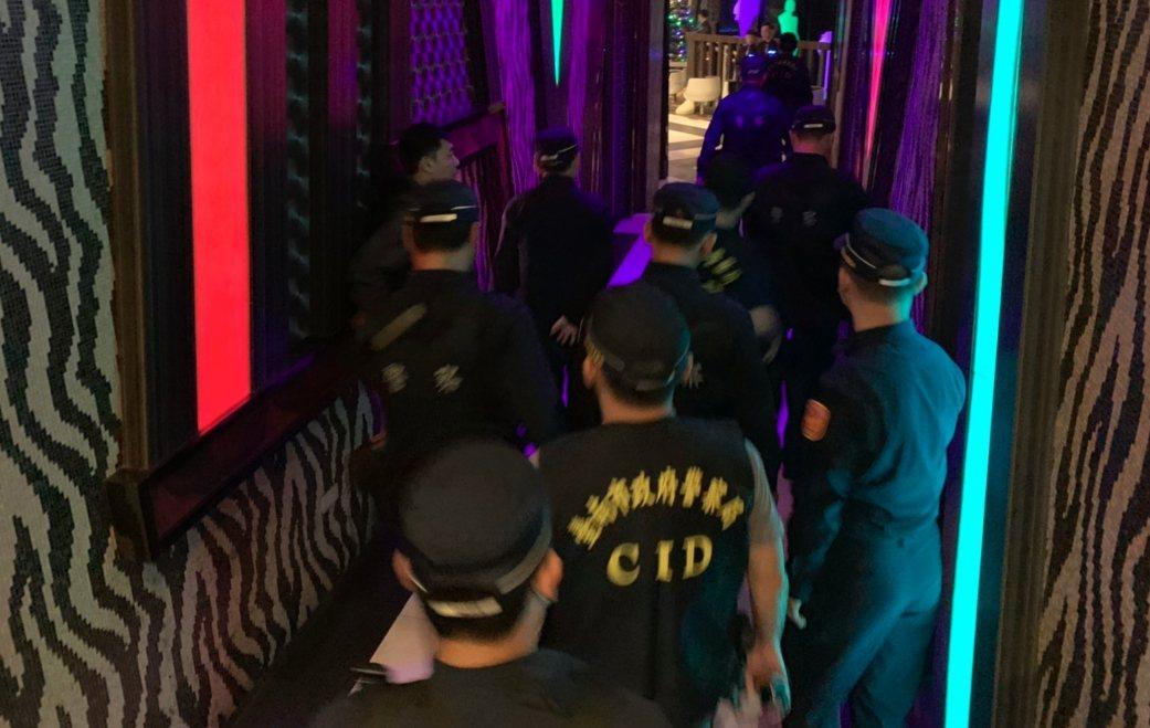 安平舞場發生槍擊案後,台南警方接連5天擴大臨檢夜店。記者黃宣翰/翻攝
