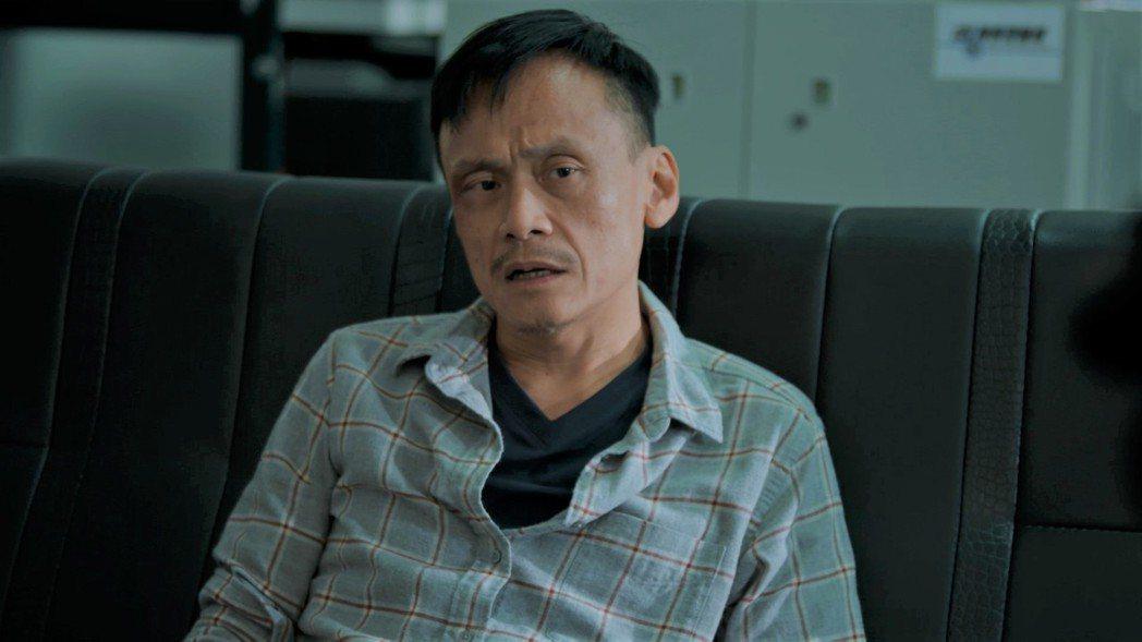 馬影帝陳以文在「鏡子森林」中飾演資深社會記者,一登場就是張力十足。圖/公視提供