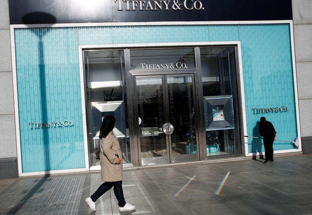 美國精品珠寶商蒂芙尼(Tiffany)上季銷售表現平淡。   路透