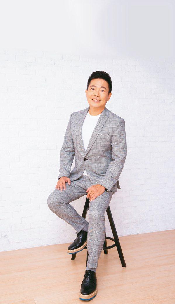 選在職場高峰優雅退場的蘇逸洪,更喜歡現在的自己。圖/季相儒攝影