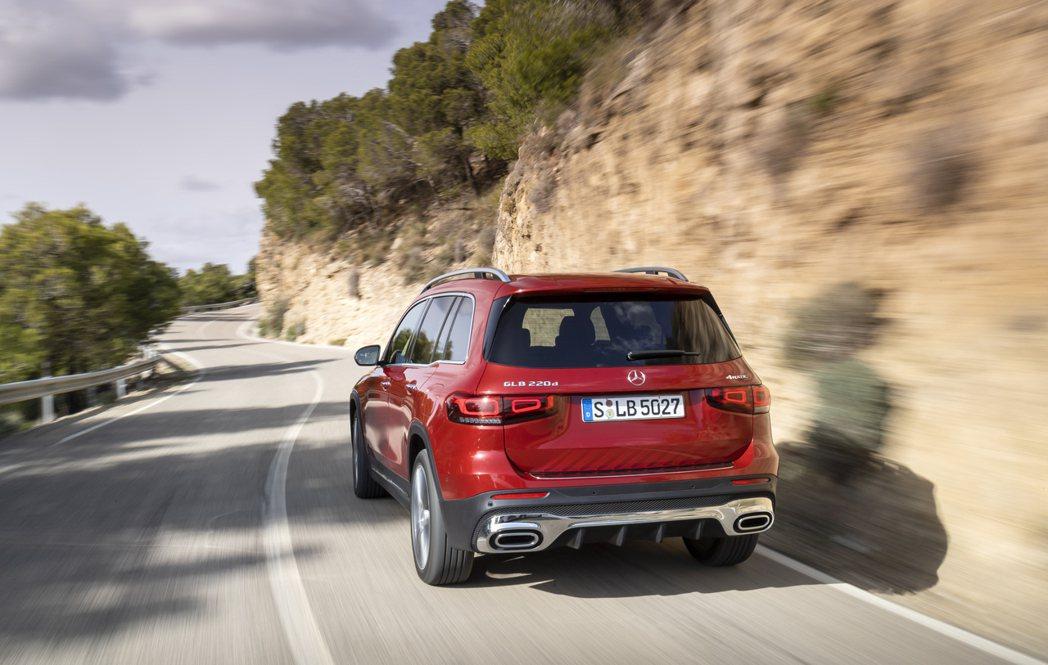 柴油車上月於英國市場銷量大幅衰退。圖為Mercedes-Benz GLB 220...