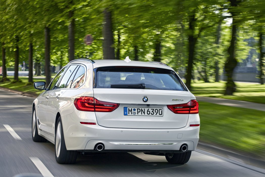 英國11月柴油車銷量重摔27.2%至3萬6941輛。圖為BMW G31 520d...