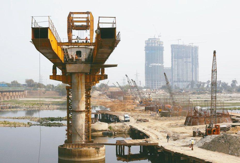 亞洲各國透過推動基建等方式刺激經濟。 路透