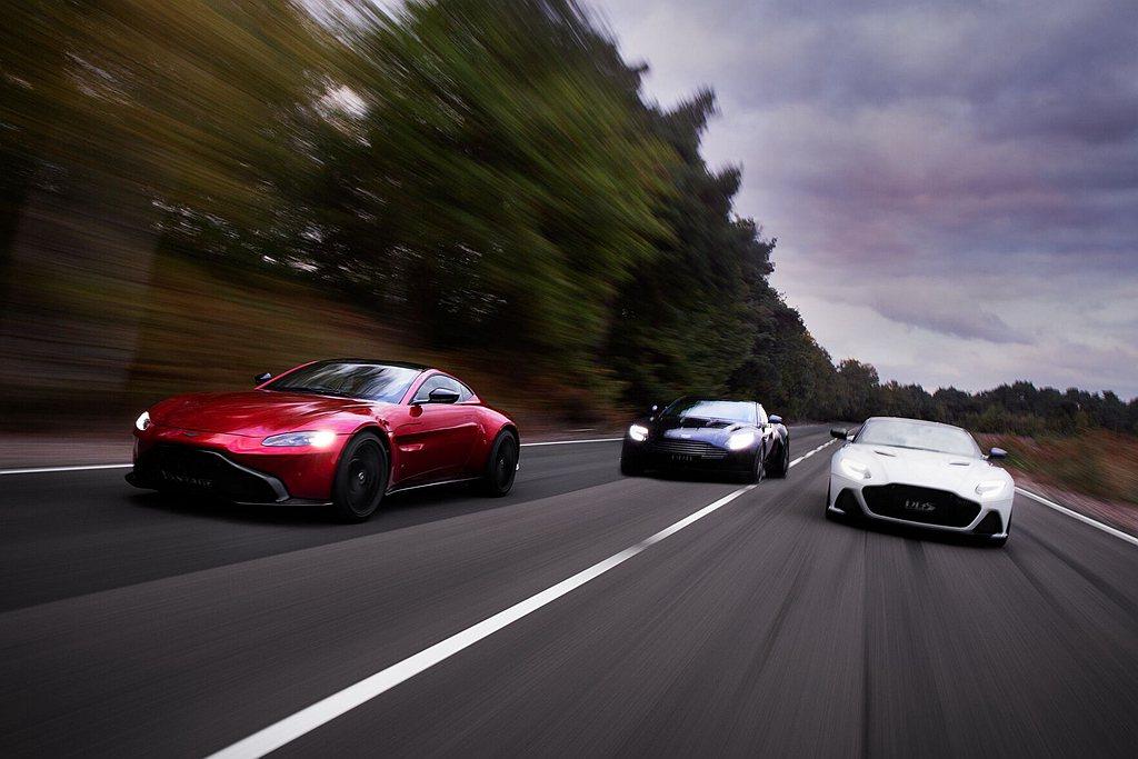 網站除了DBX最新資訊,還有新生代車款Vantage、經典美型DB11系列及旗艦...