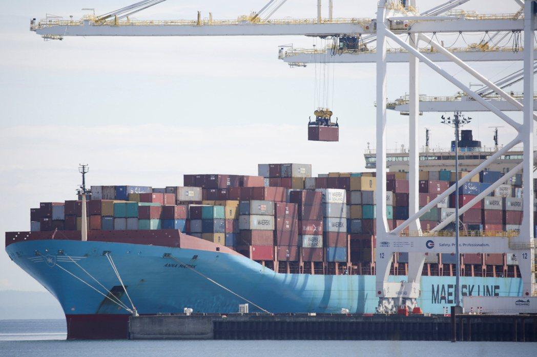 加拿大10月的商品貿易逆差縮小,因當月出口為五個月來第二個月增加,及對美貿易順差...